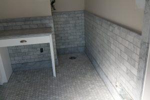 bathroom grey tilework